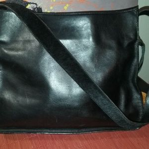 BCBG MaxAzria black leather handbag EUC